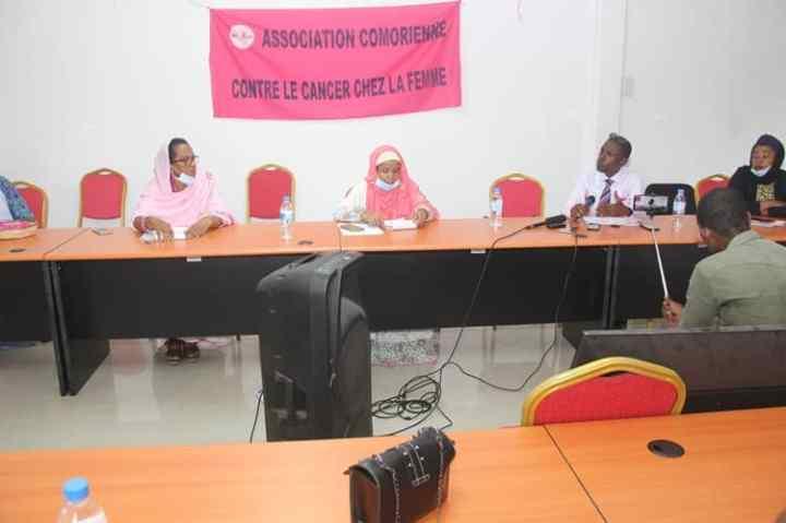 الجمعية القمرية لمكافحة السرطان لدى النساء (ACCF) تدعو إلى سياسة وطنية لمكافحة سرطانالثدي.