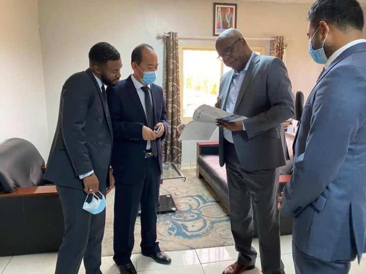 وزارة الاستثمارات: الشركة الصينية (خنان العالمية) تمنح اهتماما لمطار الأمير سيد إبراهيمالدولي.