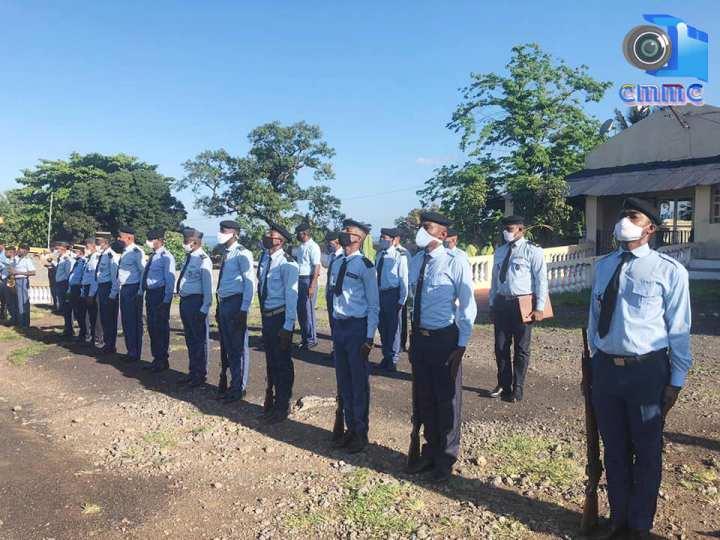 قائد قوات الدرك الوطني العقيد رمضان مدحوما يشرف على مراسم حفل تكريم 27 جندياًمتقاعدين.