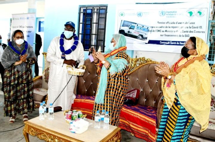 منظمة الصحة العالمية: تقديم سيارة إسعاف ومستلزمات النظافة لجميع المنشآت الصحية في جزرالقمر