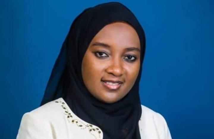 جائزة المواهب الإفريقية: الشابة القمرية هيفاء يونسى من بين الفائزين العشرينبالجائزة.