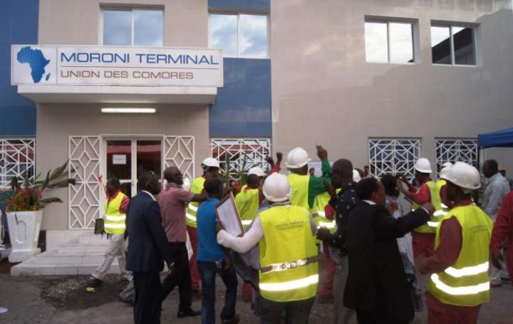عمال نقابة ميناء موروني ترمينال: مطالبات العاملين قيدالمعالجة